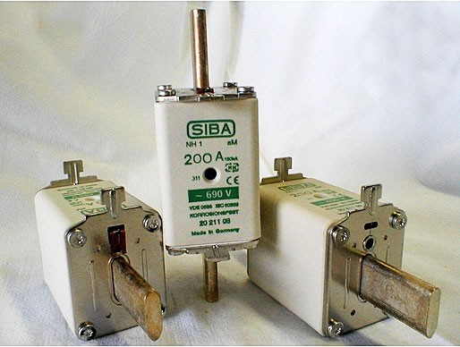 SIBA 2021108.200 fuse